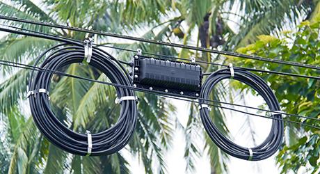 Fiber optics closure